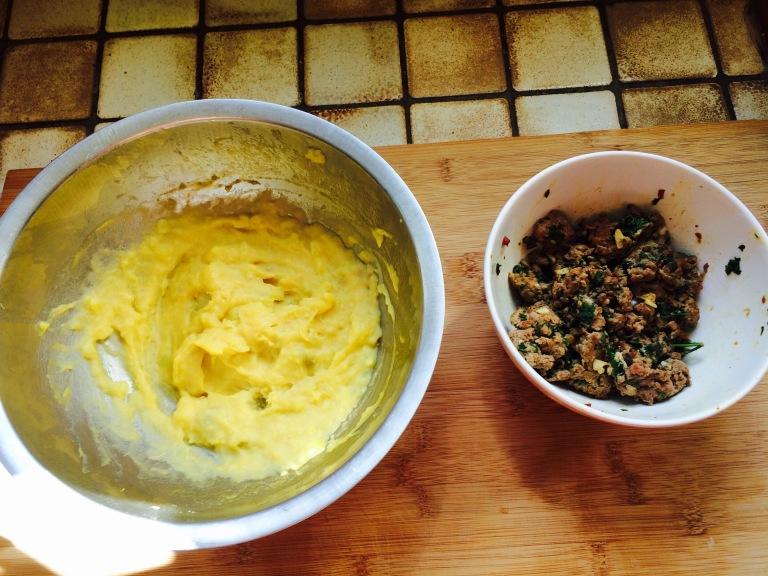 L'appareil de patates - La farce haché persil œuf aîl